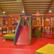 Trampolino Indoorspielplatz für Kinder ab 2 bis 15 Jahren