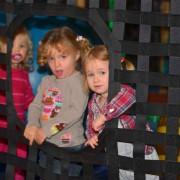 Trampolino Überdachter Spielplatz für Kleinkinder ab 2 Jahren