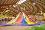 Trampolino Indoor Spielhalle bei Zürich mit Klettergerüst, Ballpool, Rutschten und vielem mehr