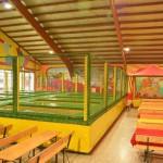 Trampolino überdachte Spielhalle für Kinder ab 2 Jahren